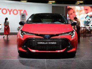 ราคา 890,000 บาท กับ Corolla PHEV 2019