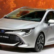 Toyota Corolla Sport 2018 ใหม่ ราคา 642,000 ในญี่ปุ่น